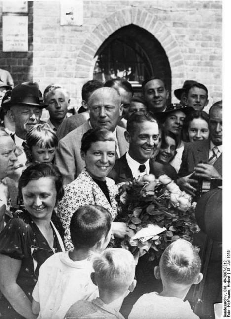 Heirat Elly Beinhorn, Bernd Rosemeyer