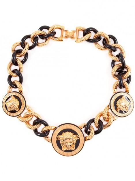 Krásný šperk dodá každému outfitu nádech dokonalosti.