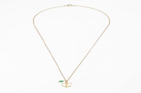Jaký jiný šperk se hodí na moře, než přívěsek ve tvaru kotvy?