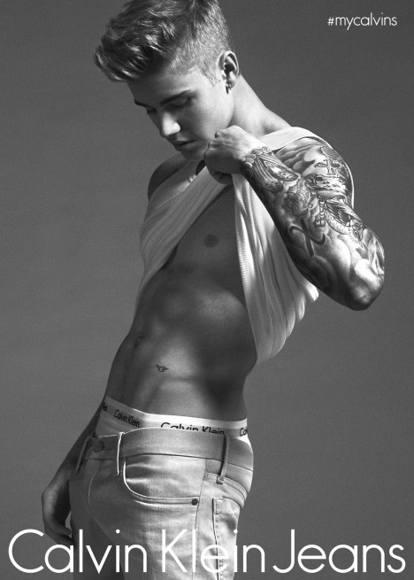 Justin Bieber jako model pro značku Calvin Klein.