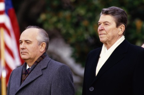 08 Dec 1987, Washington, DC, USA --- President Ronald Reagan stands with Mikhail Gorbachev during welcoming ceremonies for the Soviet leader at the White House. --- Image by © Shepard Sherbell/CORBIS SABA