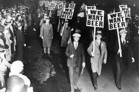 Prohibice se stala terčem mnoha protestů.