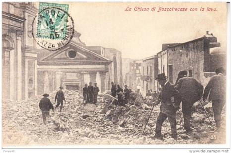 Erupce v roce 1906 poničila i velkou část Neapole.