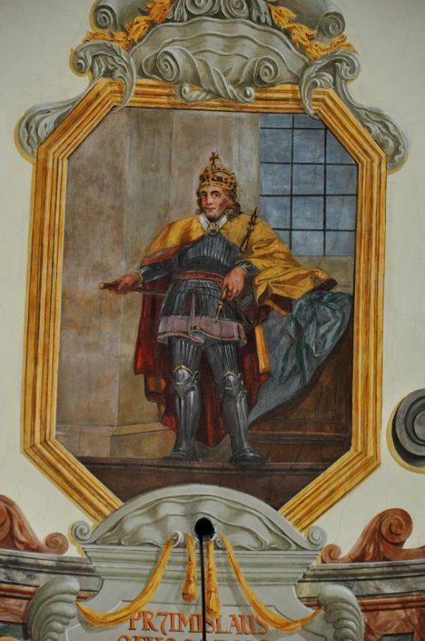 Podle malby v pražském břevnovském klášteře má český král Přemysl Otakar I. spíš menší, ale svalnatou postavu. Většinu času totiž tráví v koňském sedle.
