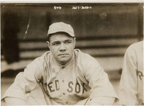 Babe Ruth se velice rychle stane oporou týmu. Láme rekordy.