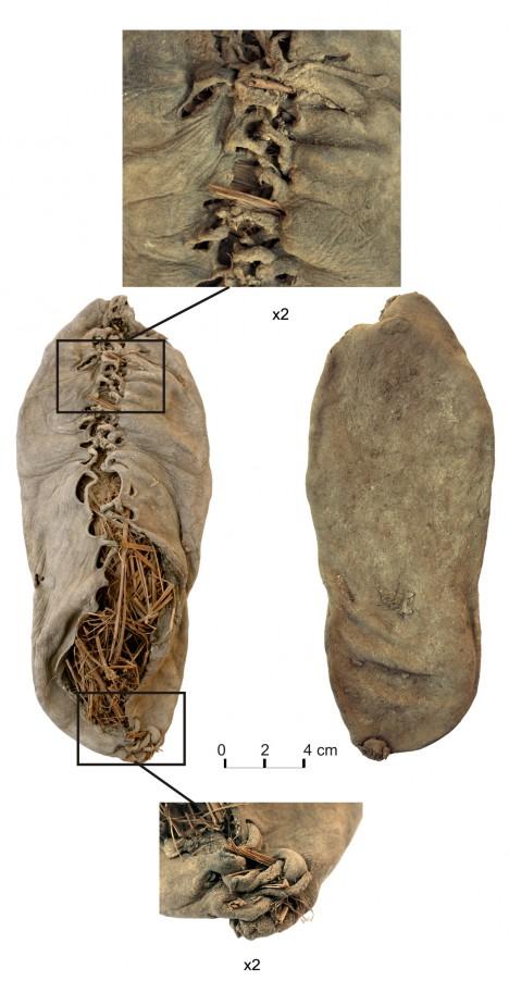 Boty z jeskyně v Arménii jsou vybaveny také dokonalým šněrováním.