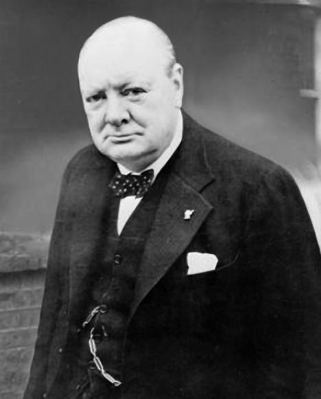 Churchill varuje svou zemi. A jeho slova se naplní.