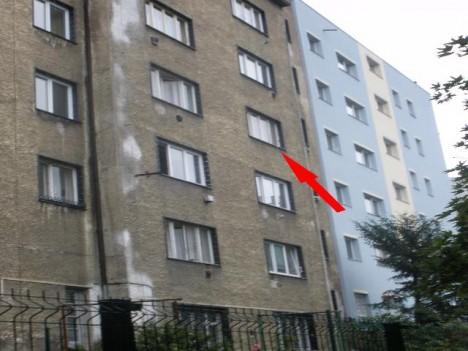 Dům v dnešní Čiklově ulici v pražských Nuslích se stává svědkem přestřelky s nacisty. Z označeného okna utekl kapitán Václav Morávek.