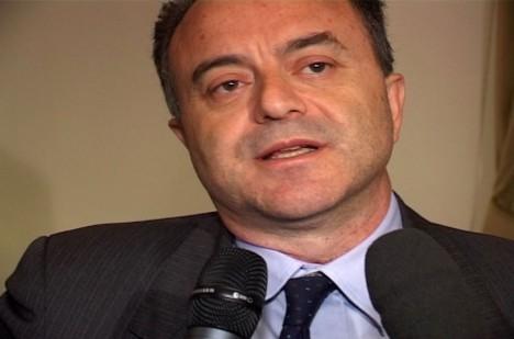 Italský státní zástupce Nicola Gratteri je přesvědčen, že zločinecké gangy plánují papežovu smrt.