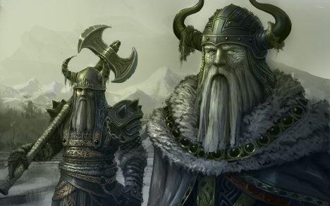 Vikinské válečníky si nejčastěji představujeme v rohatých přilbicích. Neexistuje ale jediný důkaz, že by něco podobného kdy nosili. Helmy nebo čapky s rohy se objevují už na nástěnných malbách z doby kamenné. Byly ale používané k náboženským obřadům, navíc pravděpodobně vymizely ještě před nástupem Vikingů. O rozšíření této mylné představy se přičinili kostyméři inscenací oper Richarda Wagnera z 19. století.