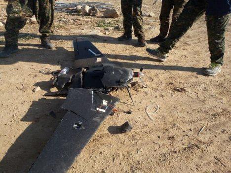 Drony využívá i Islámský stát. Byl zaznamenán útok bezpilotního civilního dronu Skywalker X9 s výbušninou na palubě.