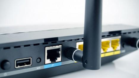 Dalším slabým místem jsou samotné domácí wifi routery, přes které se k internetu připojují celé domácnosti.