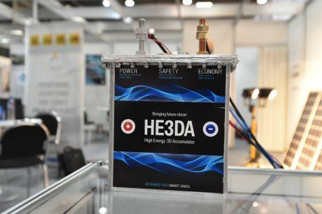 Česká technologie může výrazně pomoci při provozu elektromobilů, toto je nový typ baterie s horizontálními články.