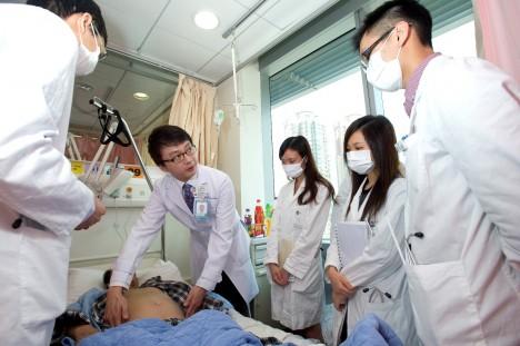 Chirurgii se Číňané učili od západních lékařů. Až do 20. století totiž neprováděli ani pitvy.