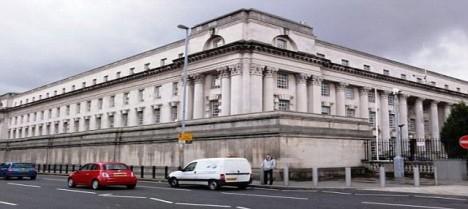 Karen Walshová dostala od Koruniho Soudu v Belfastu 20-ti letý trest.