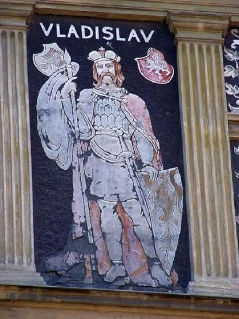 Když se český kníže Vladislav dozví o černé stavbě, pošle na svého německého rivala vojsko.