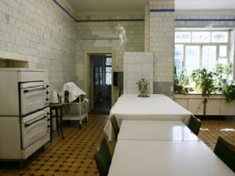 Kuchyně v rezidenci v Kuncevu. Sovětský vůdce rád jedl a nechával připravovat několikachodová menu.