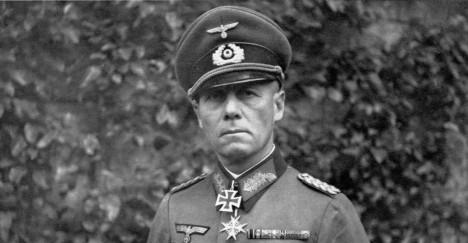 Lászlóvu práci pro německou armádu osobně ocení i slavný maršál Erwin Rommel, jemuž se přezdívalo Pouštní liška.