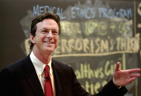 4/11/02 Michael Crichton '64, HMS '69 speaks on