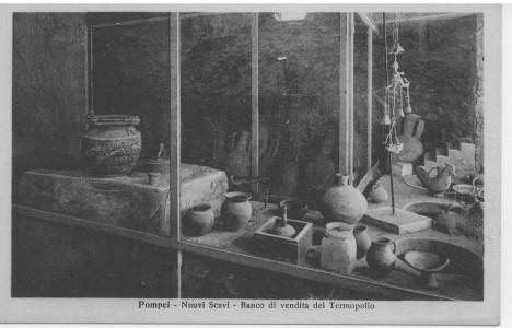 Nádobí, které se používalo v rychlé restauraci ve starověkých Pompejích.