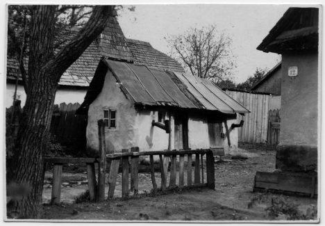 Na Podkarpatské Rusi se stavěly jednoduché domky a žilo se zde většinou nuzně.