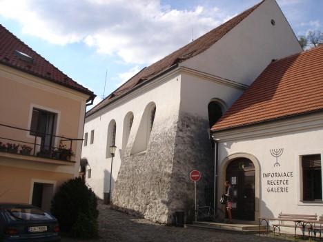Zadní synagoga v židovské čtvrti.