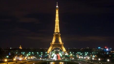 Po přidání antény v roce 1957 měří věž celých 324 metrů.