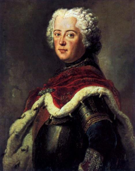 Pruský král Fridrich II. svou ženu záměrně přehlíží.