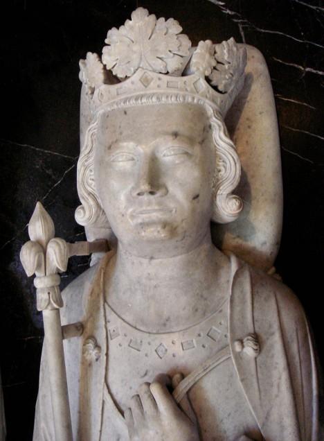 S francouzským králem Filipem IV. Sličným se dostává do sporu.