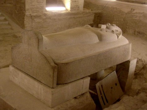 Sarkofág faraona Meranptaha. Podle analýz i tento egyptský panovník trpěl onemocněním tepen.