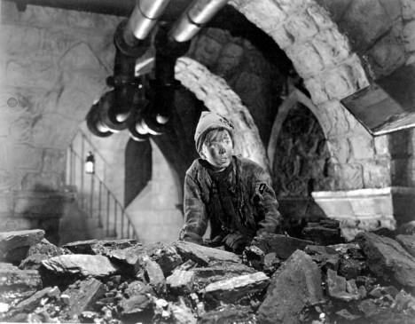 V podzemí se ukrývají pravé poklady. Stokaři se však musejí mít na pozoru před krysami.