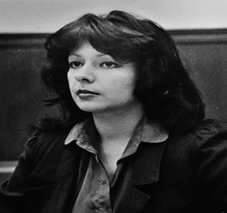 Veronica Comptonová před soudem.