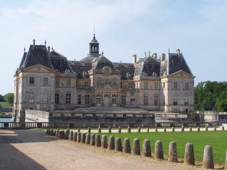 Zámeček ve Vaux-le-Vicomte je ve své době honosnější než sídlo francouzského krále.