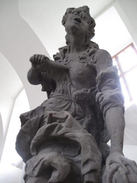 Zpodobnění Zoufalství v rámci cyklu Neřestí vytvoří pro hraběte sochař Matyáš Bernard Braun.