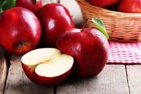 celá jablka