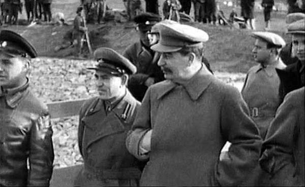 Stalin při stavbě průplavu Moskva-Volha.