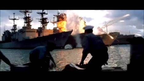 Je něco kolem osmé hodiny ranní, 7. prosince roku 1941, a útok na americkou námořní základnu je v plném proudu.