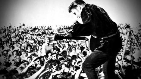 Elvisovy koncerty jsou i ze záznamu nabité nezapomenutelnou energií.