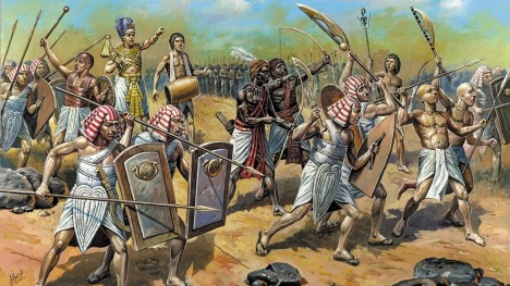 Hyksosové: Invaze do Egypta 1600 př. n. l. – 1530 n. l. Hyksosové patřili ke kočovným kmenům, které od 17. století před naším letopočtem pronikaly do Egypta. Jejich vyspělé zbraně a způsob válčení změnily tvář Egypta na celá staletí. Používali bojové vozy tažené koňmi, moderní kladkové luky, kovové helmy a kroužkové košile, které se podle jejich vzoru nosily až do středověku.
