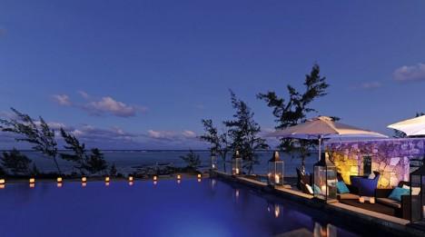 hotel-ile-rodrigues-tekoma-piscine-night