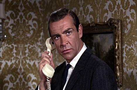Sean Connery jako James Bond se prý Crabbovi velmi podobal.
