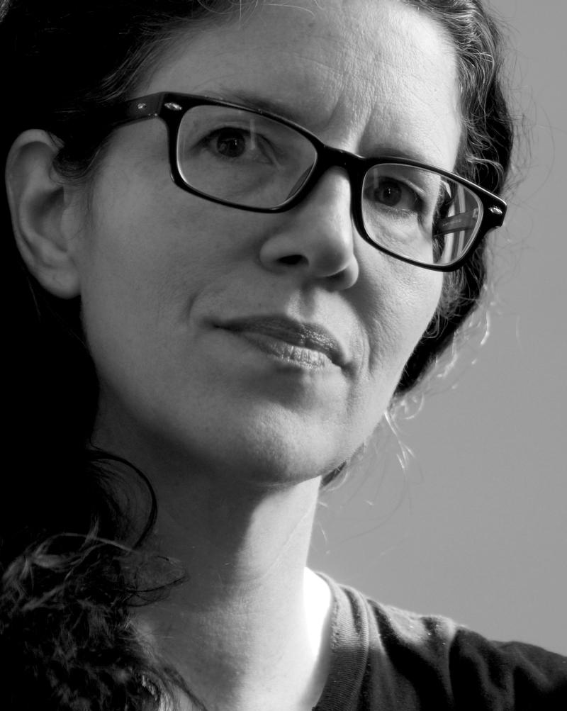 Schopná novinářka Laura Poitrasová neváhá jít s informacemi ven.