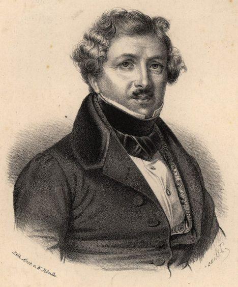 Louis Daguerre propaguje postup tvorby obrazu světlem na měděné desce.
