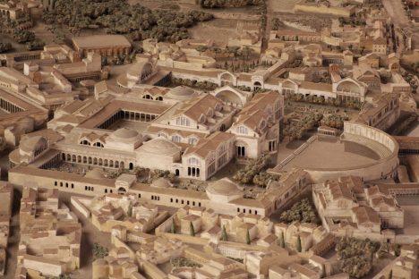 Thermes de Trajan sur la maquette d'I. Gismondi. Museo della Civilta Romana, EUR, Rome