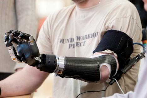 Výzkum mozkových vln a jejich účinky pokračuje rychle vpřed, už dnes existují například prototypy protéz ovládaných myšlenkami.