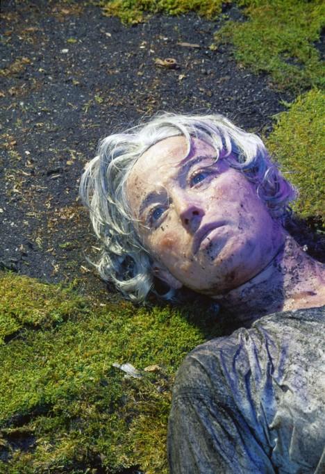 5. místo: Untitled 153 - Tento autoportrét vytvořila v roce 1985 světoznámá americká fotografka Cindy Sherman. CEny této fotografie je odhadována na 2 700 000 dolarů, tedy přes 67 milionů korun.