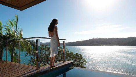 woman-by-plunge-pool-windward-pavilion