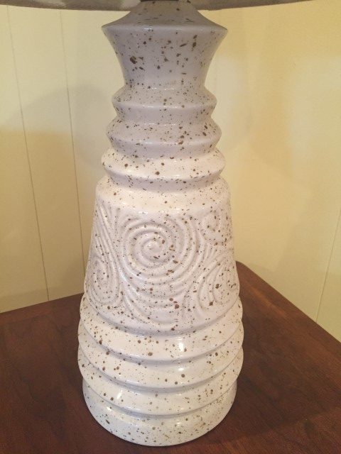 vintage cream ceramic lamp with spiral pattern
