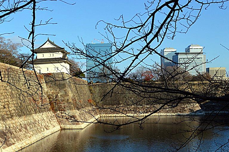 Osaka Castle: Moat