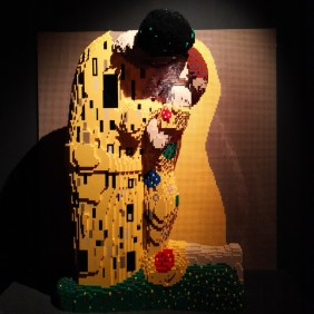 sculture-lego-klimt-the-art-of-the-brick